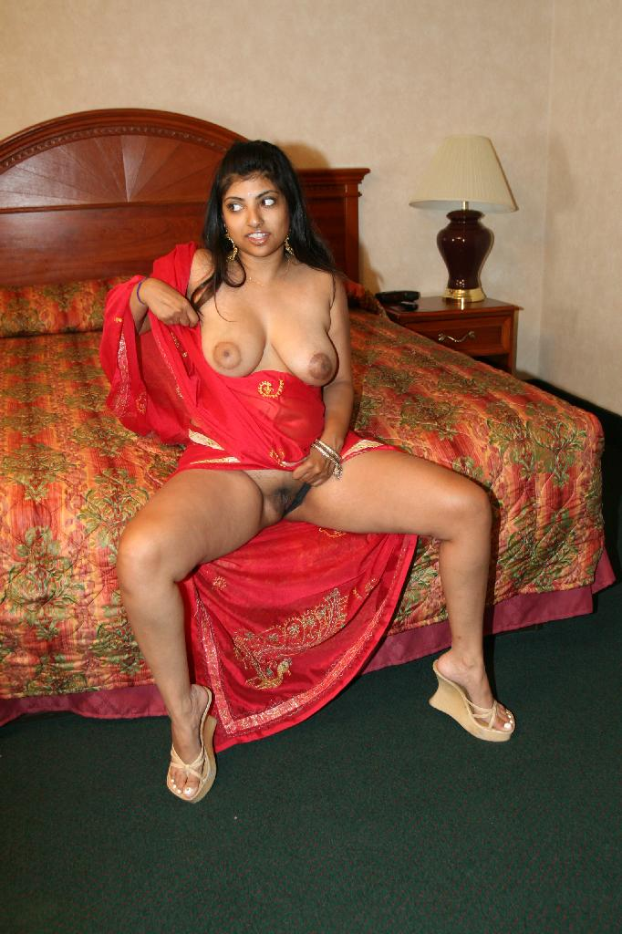 Chubby naked indian women