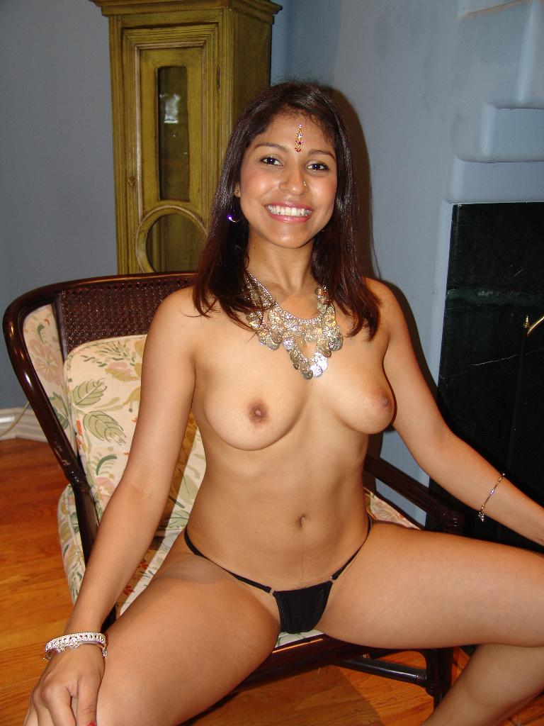 image Jasmine desi college girl showing shaved pussy in shower