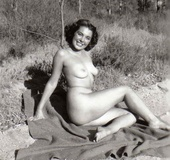 Several vintage girls showing it all on the naked…