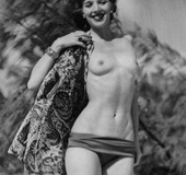 Several vintage ladies showing their good bodies…