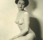Several sexy vintage ladies showing their natural…