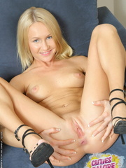 Pussy porno - So shall I stay at home - XXX Dessert - Picture 11