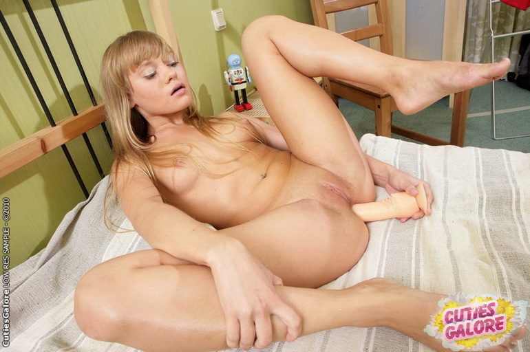 Pussy Horny Blonde Teen Pussy 97