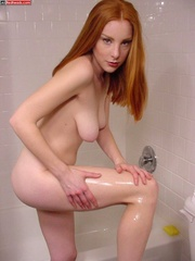 Red head galleries - Redhead with hairy - XXX Dessert - Picture 1