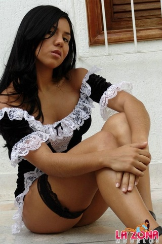 isabella sexy maid who
