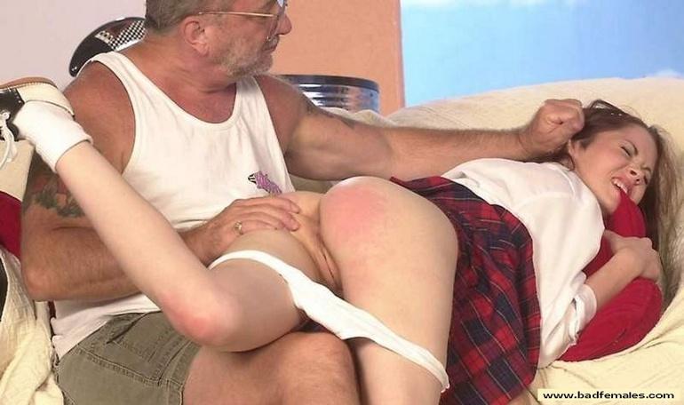 spanking spiele parkplatzsex in dresden