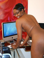 Naughty black girl amateur secretary - XXX Dessert - Picture 15