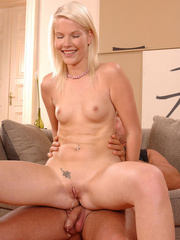 Sexy Pink Pussy sucks then pisses on her - XXX Dessert - Picture 9