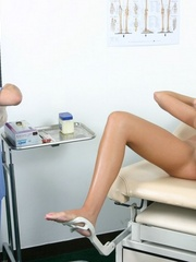 Two nurses examine a hot brunette girl - XXX Dessert - Picture 3