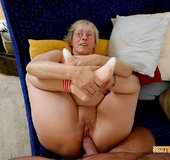 Big boobed mature blonde undressed before getting…