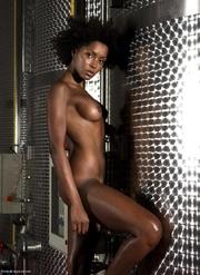 hot black babe showing