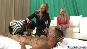 Tattoed guy doesn't mind his dick sucked - XXX Dessert - Picture 10