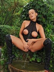 Black rubber costume buttoned up to the neck - Unique Bondage - Pic 13