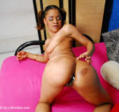 Round butt ebony stunner taking off her school…