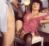 Hairy seventies lady gets stuffed by two big stiff…