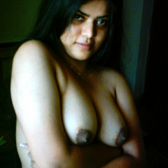 Neha in green and yellow Indian - India - XXX Dessert - Picture 9