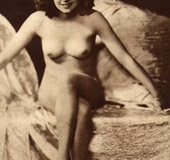Nude girl on retro pics.