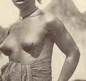 Several nude African ladies from the twenties…