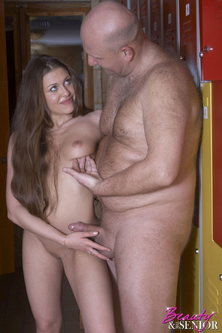Horny Teenage Chick Fucked Hardcore Old Dessert Picture