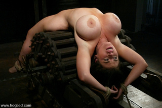 daphne's huge 36g breasts