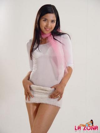 gianna proves wearing white