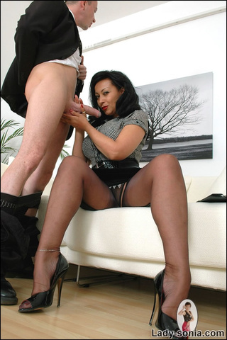ebony-handjobs-pics-fairuza-balk-sex-scene-video