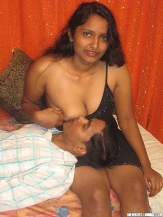 indian slut getting dildo